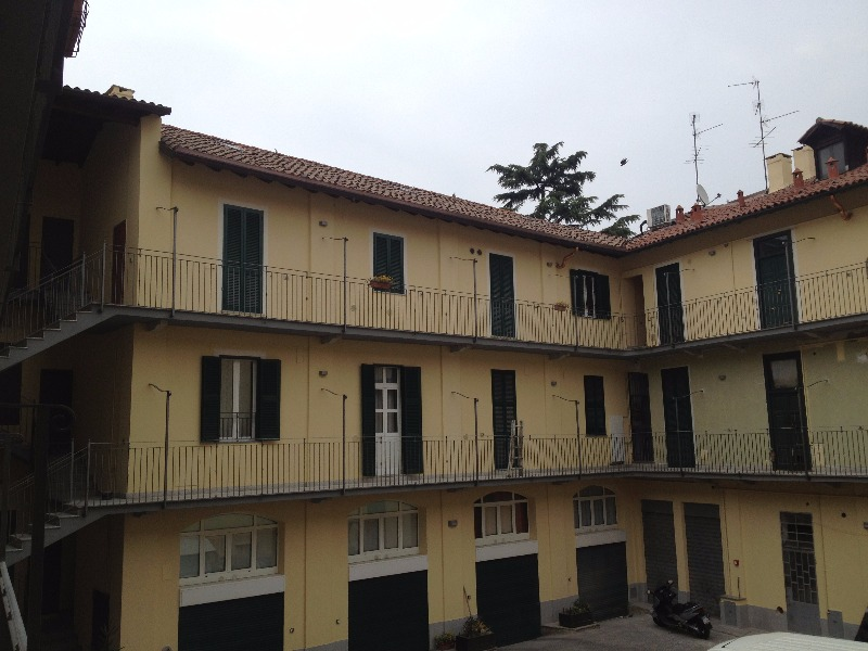 Tinteggiature facciate interne (cortile a  Monza)